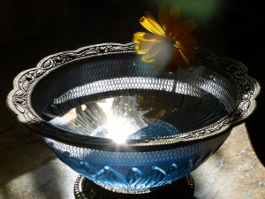 Water in Glass Bowl (Photo by Emci)